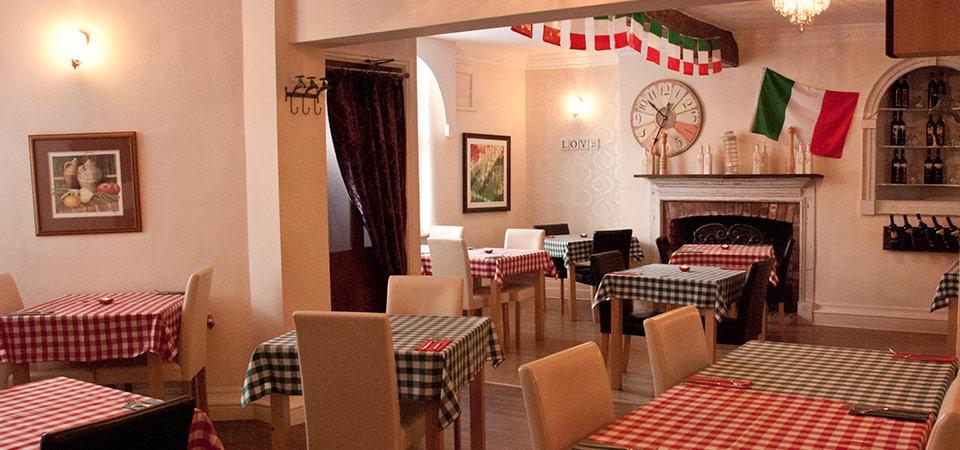 La Bella Piazza Italian Restaurant Market Bosworth